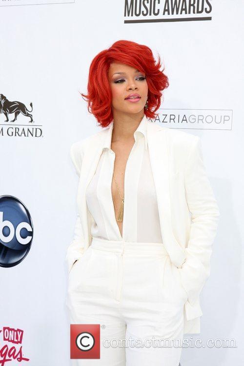 Rihanna, Billboard, Las Vegas and Mgm 5