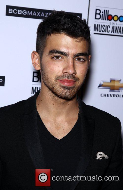 Joe Jonas 2011 Billboard Music Awards official post-...