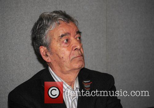 Edward De Souza 8