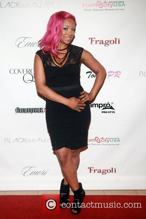 Make-up Artist Kenecia Lashae  COVERGIRL Queen Collection...