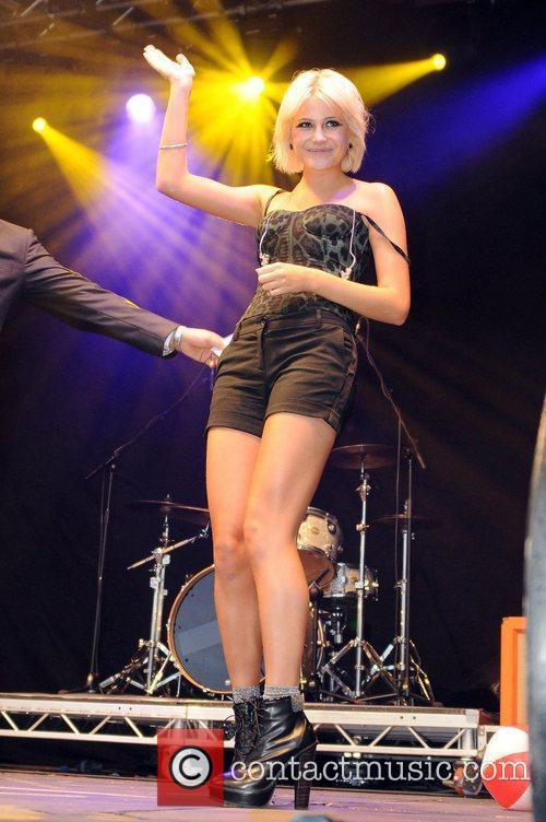 Pixie Lott  The 2011 Blackpool Illuminations Swtich-On...