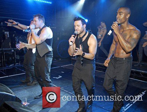 Duncan James, Antony Costa, James Lee, Lee Ryan and Simon Webbe 8