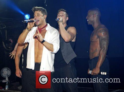 Duncan James, James Lee, Lee Ryan and Simon Webbe 7