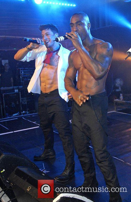 Duncan James and Simon Webbe 9