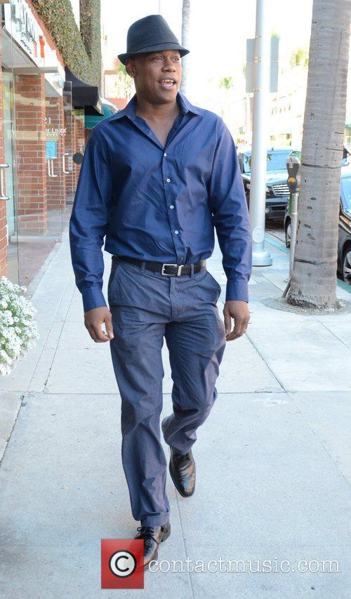 bokeem woodbine takes a walk through beverly 3598654