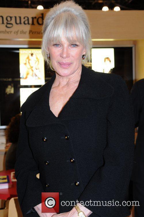 Linda Evans 11