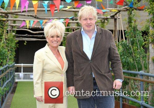 Boris Johnson and Barbara Windsor 3