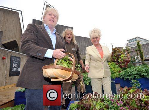 Boris Johnson and Barbara Windsor 11