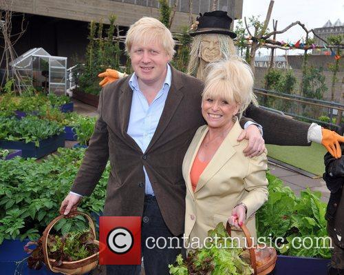 Boris Johnson and Barbara Windsor 8