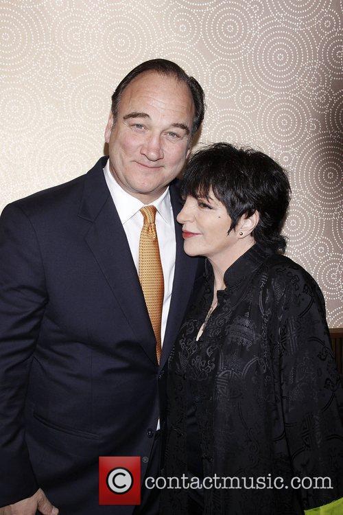 Jim Belushi and Liza Minnelli 6