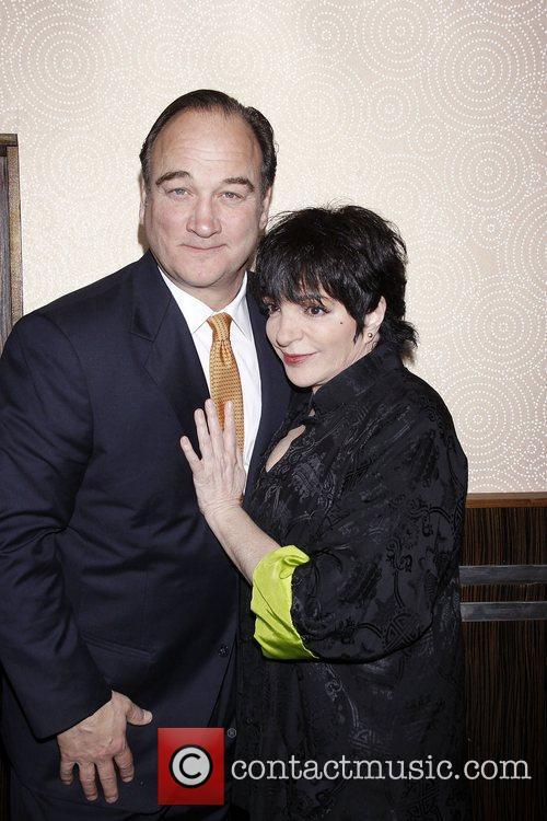 Jim Belushi and Liza Minnelli 7