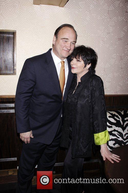 Jim Belushi and Liza Minnelli 9