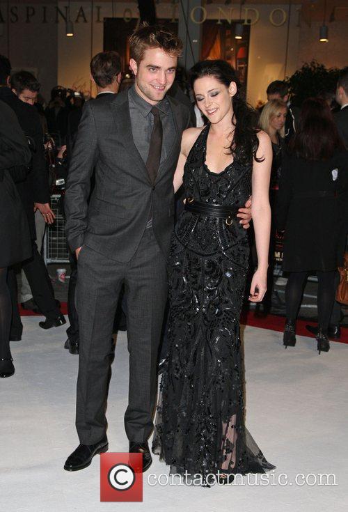 Robert Pattinson and Kristen Stewart 10