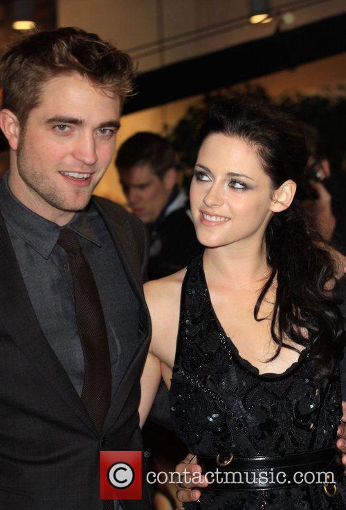Robert Pattinson and Kristen Stewart 9