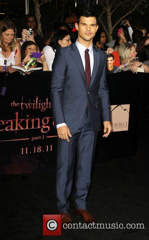 Taylor Lautner 26
