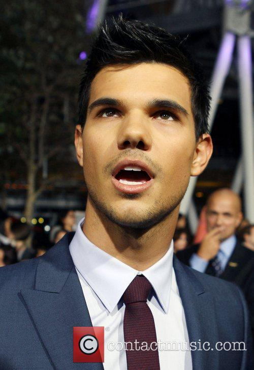 Taylor Lautner 27
