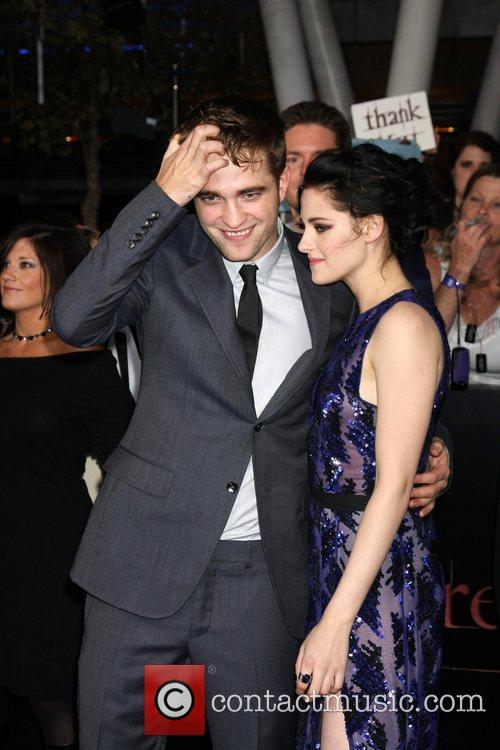 Robert Pattinson and Kristen Stewart 2