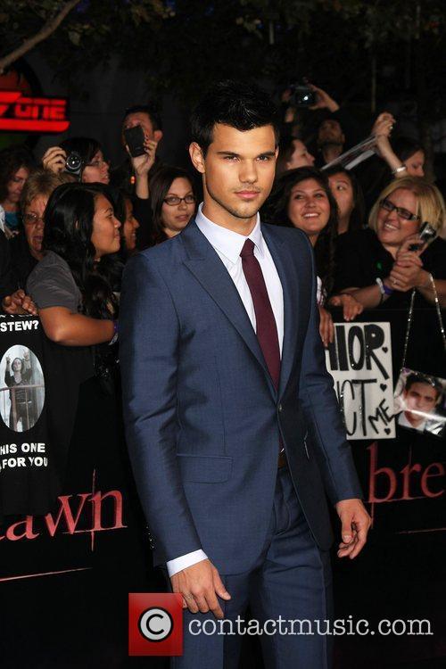 Taylor Lautner 15