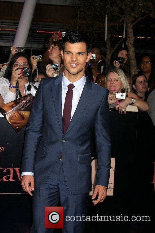 Taylor Lautner 13