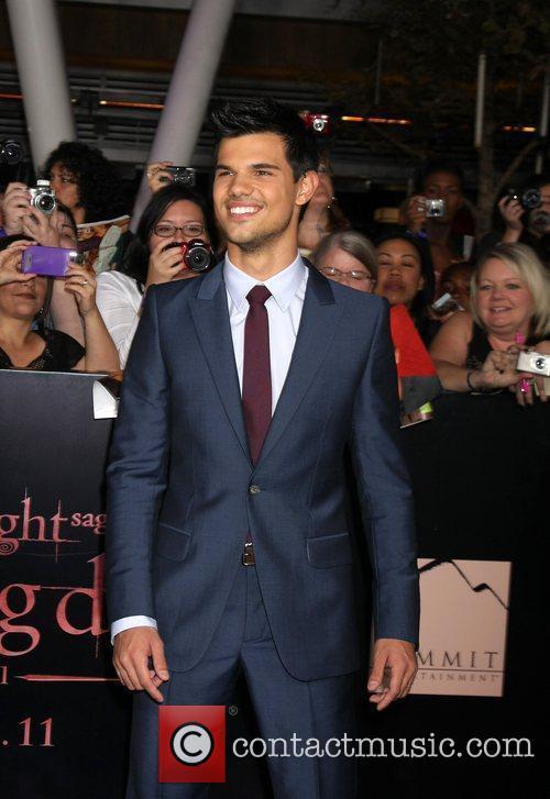 Taylor Lautner 14