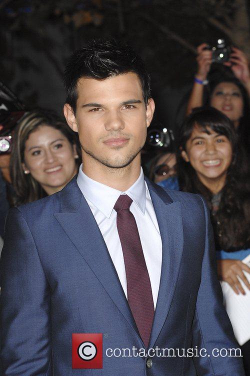 Taylor Lautner 18