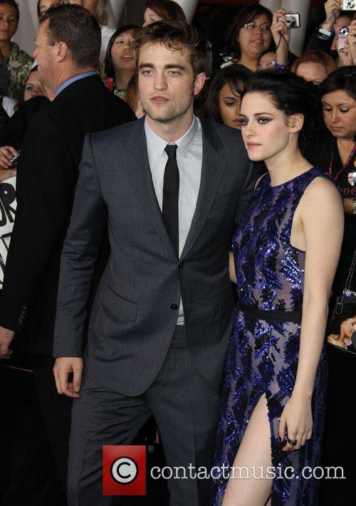 Robert Pattinson and Kristen Stewart 5