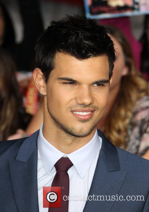 Taylor Lautner 24