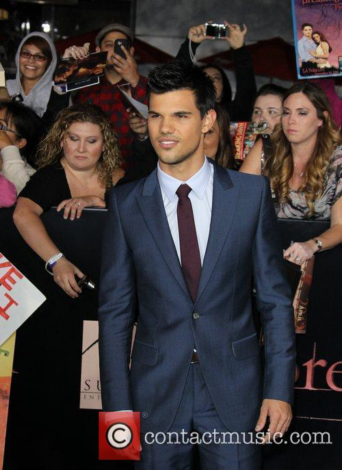Taylor Lautner 21