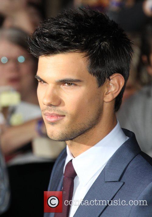 Taylor Lautner 23