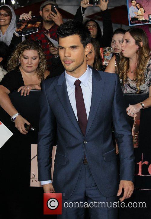 Taylor Lautner 19