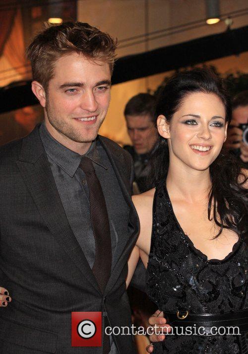 Robert Pattinson and Kristen Stewart 7