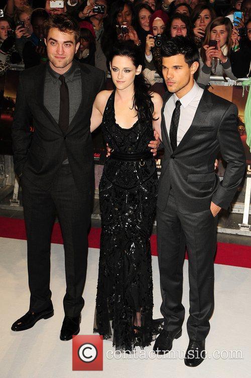 Robert Pattinson, Kristen Stewart and Taylor Lautner 4