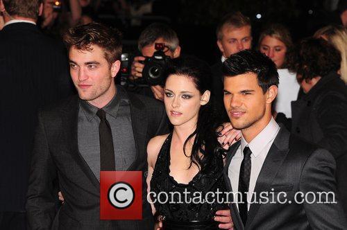 Robert Pattinson, Kristen Stewart and Taylor Lautner 3