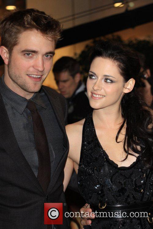 Robert Pattinson and Kristen Stewart 4