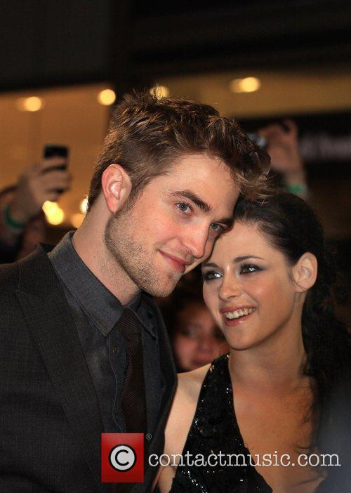Robert Pattinson and Kristen Stewart 3