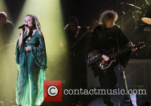 Brian May and Kerry Ellis performing at Manchester...
