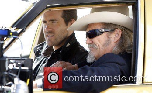 Ryan Reynolds and Jeff Bridges 3