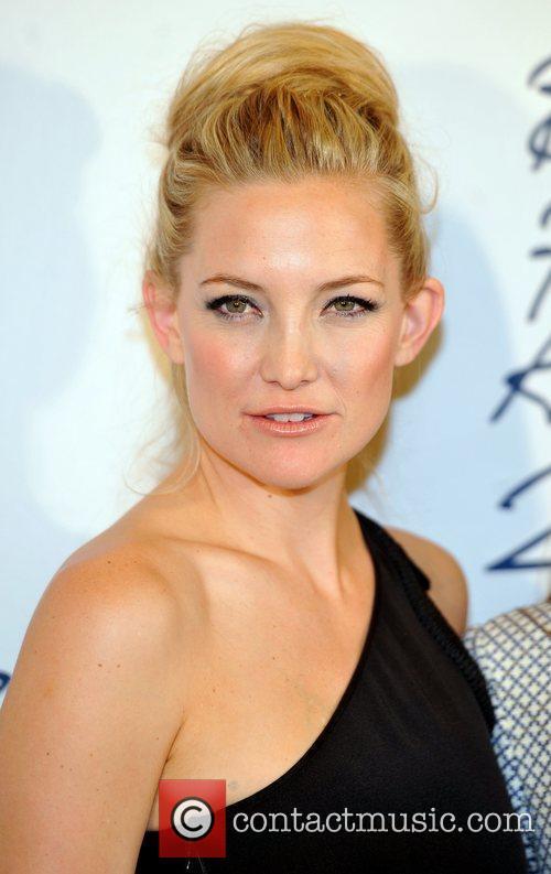 kate hudson 2011 british fashion awards held 3631255