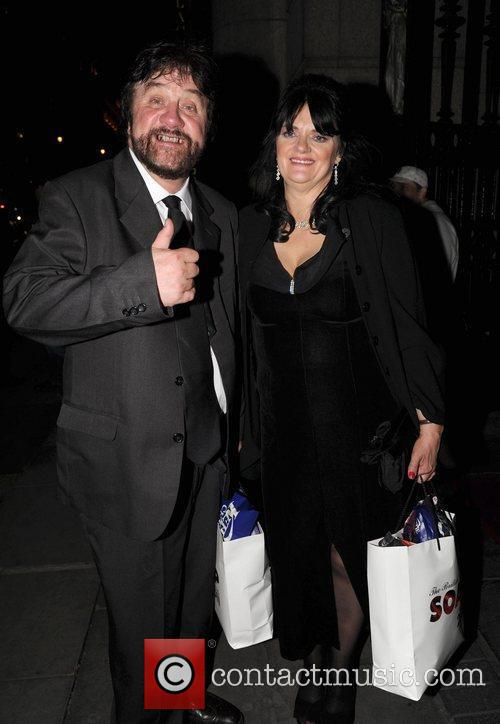 Steve Halliwell  Celebrities arrive back at their...