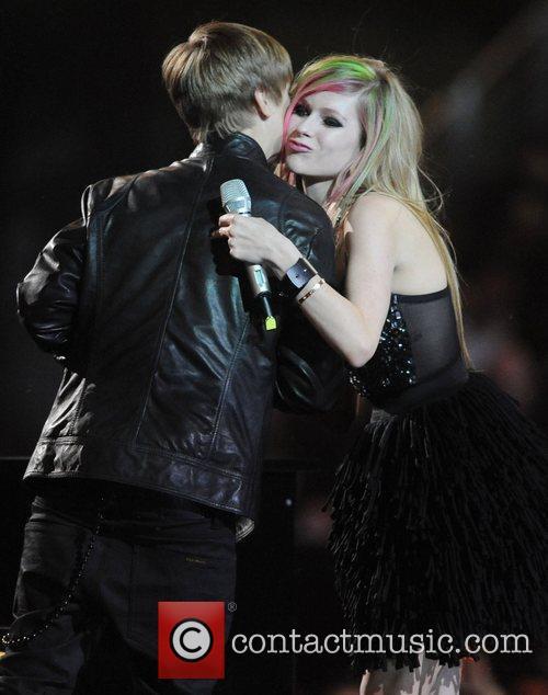 Justin Bieber and Avril Lavigne 6
