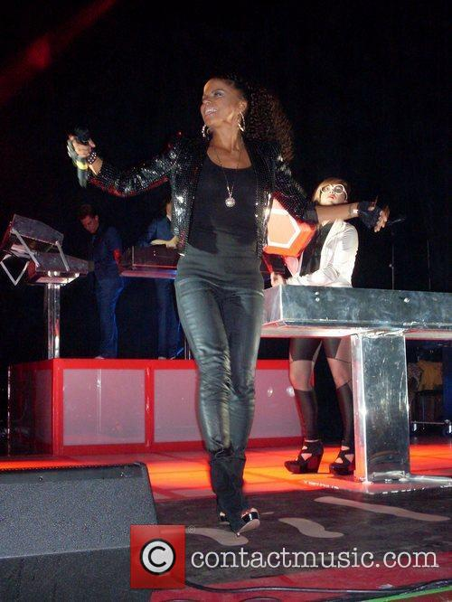 Ms Dynamite and War Child 2