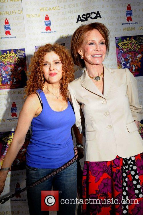 Bernadette Peters and Mary Tyler Moore 1