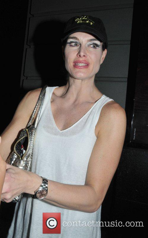 Brook Shields outside the Lunt-Fontanne Theater after her...