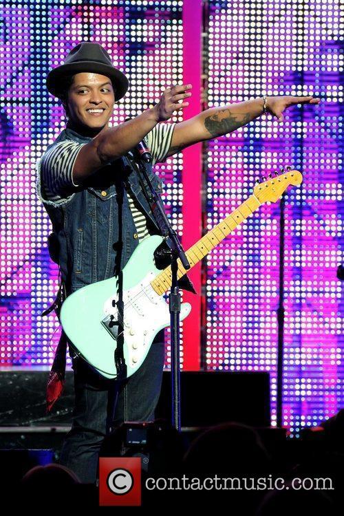 Bruno Mars 13