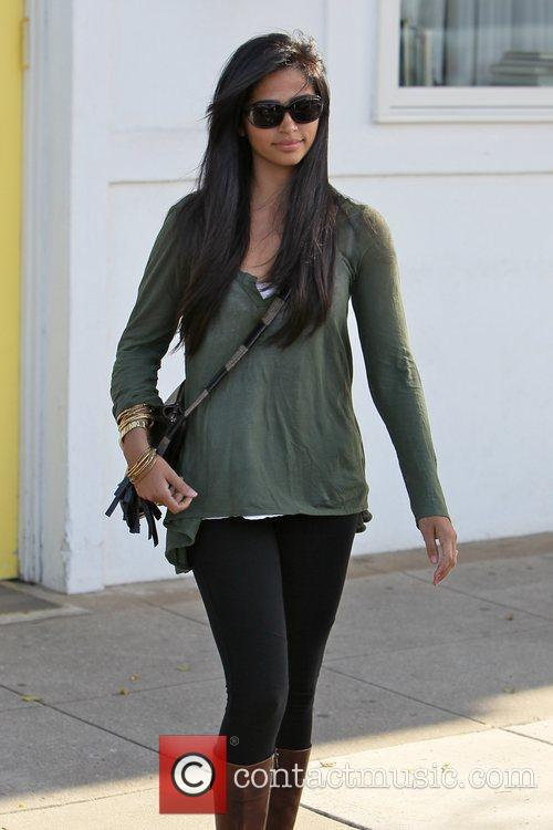 camila alves celebrities outside byron and tracey 3591453