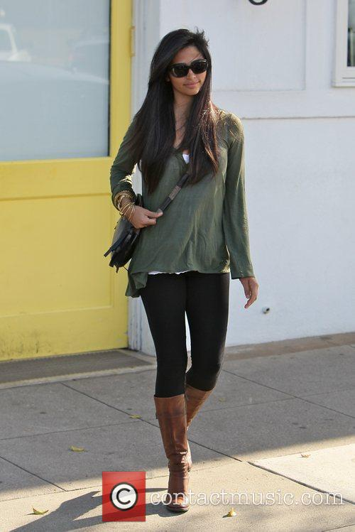 camila alves celebrities outside byron and tracey 3591479