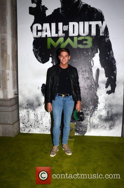 Joey Essex  Call Of Duty Modern Warfare...