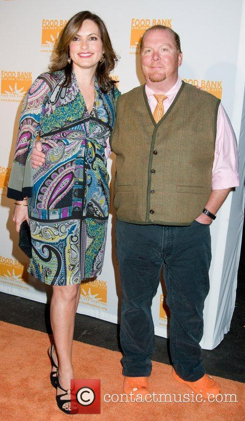 Mariska Hargitay and Mario Batali 9