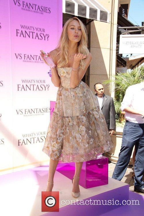 Victoria's Secret Bombshell, Candice Swanepoel, unveils the new...