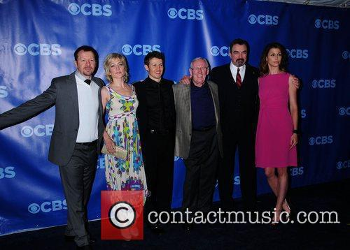 Donnie Wahlberg, Bridget Moynahan and Tom Selleck 8